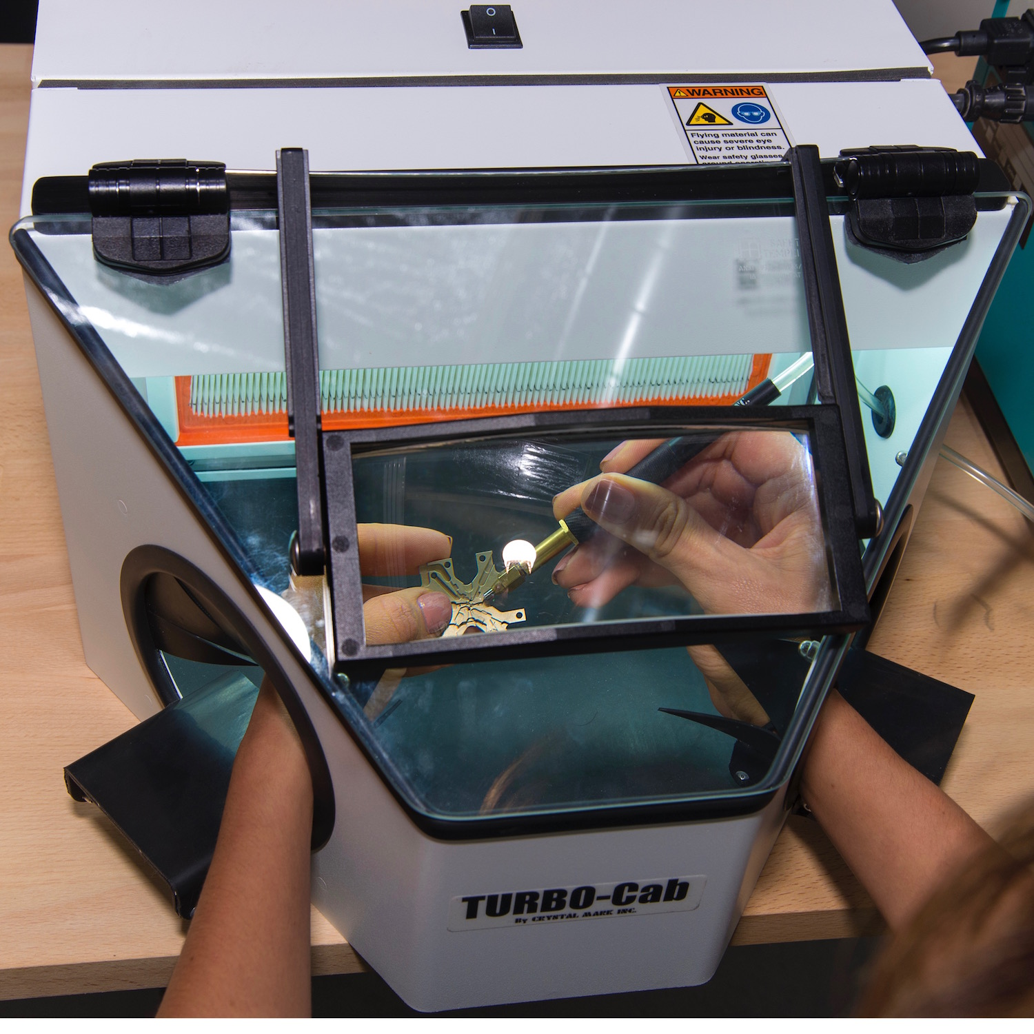 TURBO Cab™ Work Chamber with Magnifying Glass